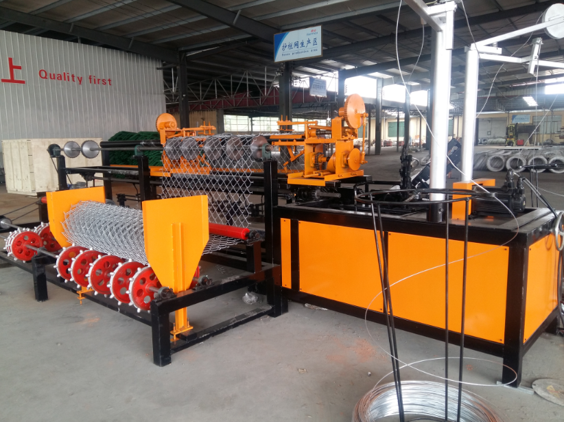 China High Quality & Speed 3M Automatic Chain Link Fence Machine Manufacturers